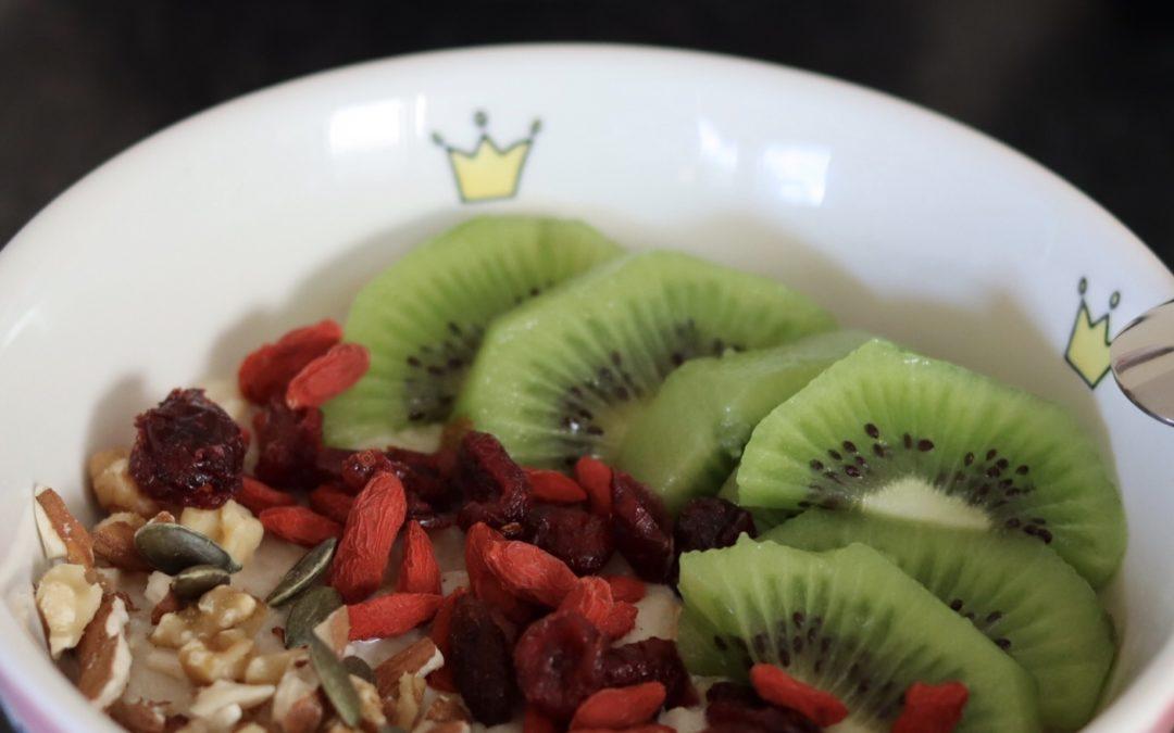 Porridge aux flocons d'avoine et banane