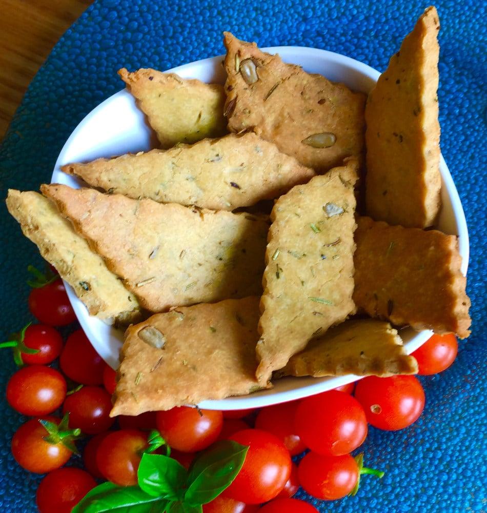 Biscuits apéritifs à la farine de pois chiche